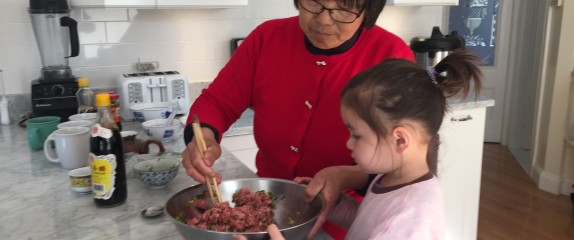 This Chinese grandma forages and cooks